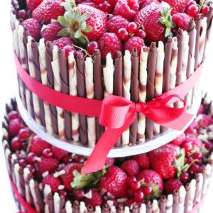 Bolo de Chocolate Belga com frutos vermelhos